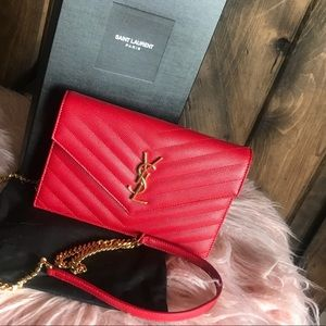TRADING!!Saint Laurent YSL Crossbody Chevron Red